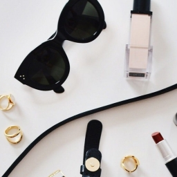 Minimalist Beauty Buys for On the Go